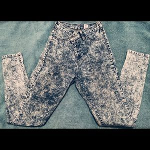 Stone Washed Jeans !
